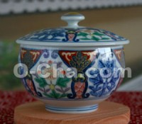 Arita-yaki Ceramic Teacup with Lid