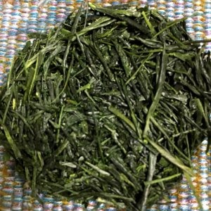 light steamed green tea leaf